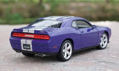 1/24 Welly FX Dodge Challenger (Purple/Blue) Diecast Car Model