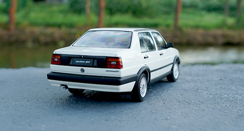 1/18 Dealer Edition Volkswagen VW Jetta GT (White)
