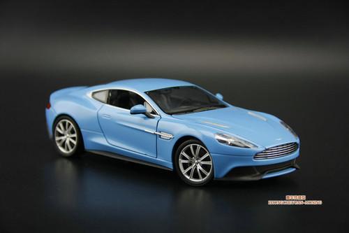 1/24 Welly Aston Martin Vanquish (Blue) Diecast Car Model