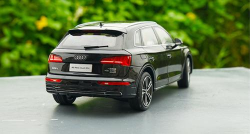 1/18 Dealer Edition 2018 Audi Q5 Q5L (Black)