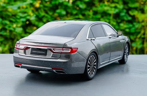 RARE 1/18 Dealer Edition Lincoln Continental (Grey) Diecast Car Model