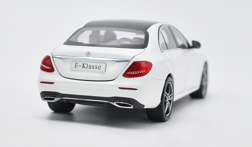 1/18 Dealer Edition Mercedes-Benz E-Class E-Klasse (White)