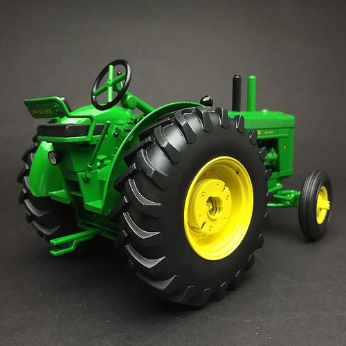 1/16 ERTL Model R Tractor