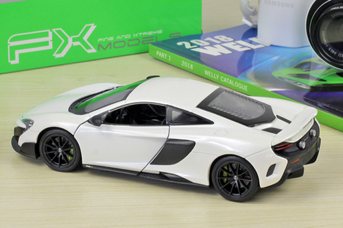 1/24 Welly Mclaren 675LT (White) Diecast Car Model
