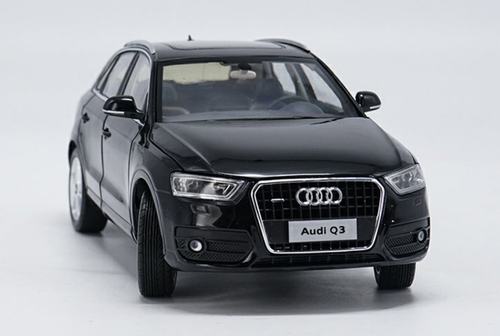 1/18 Dealer Edition Audi Q3 (Black) Diecast Car Model