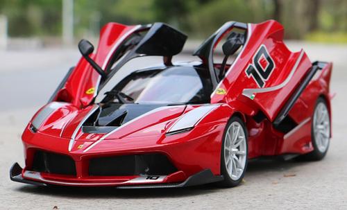 1/18 Bburago Ferrari Laferrari FXXK Evo #10 (Red) Diecast Model