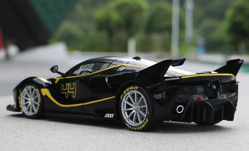 1/18 Bburago Signature Series Ferrari Laferrari FXXK Evo #44 (Black) Diecast Model