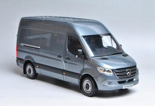 1/18 Dealer Edition Mercedes-Benz Sprinter (Blue) Diecast Model