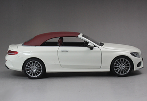 1/18 Dealer Edition Mercedes-Benz C-Class Coupe C-Klasse Cabriolet (White) Diecast Model