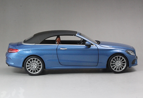 1/18 Dealer Edition Mercedes-Benz C-Class Coupe C-Klasse Cabriolet (Blue) Diecast Model