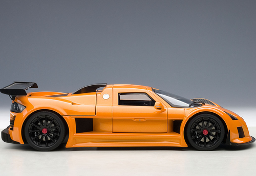 1/18 AUTOART GUMPERT APOLLO S (METALLIC ORANGE) Diecast Model 71302