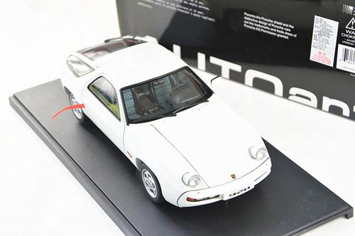 1/18 AUTOART PORSCHE 928 (White) Diecast Model 77902