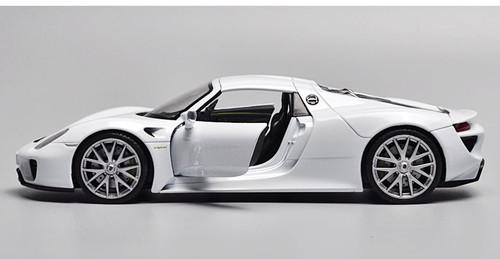 1/24 Welly FX Porsche 918 (White) Diecast Model
