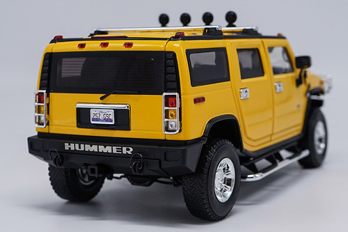 1/18 Highway 61 Highway61 Hummer H2 (Yellow) Diecast Model