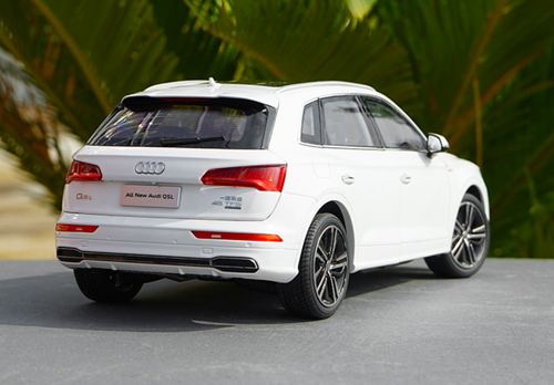 1/18 Dealer Edition 2018 Audi Q5 Q5L (White) Diecast Car Model
