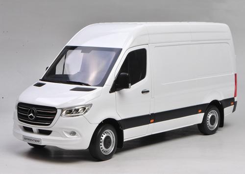 1/18 Dealer Edition Mercedes-Benz Sprinter (White) Diecast Model