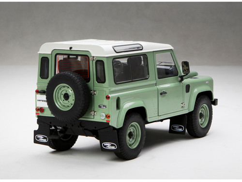 1/18 Kyosho Land Rover Defender 90 Short Wheelbase (Green) Diecast Car Model