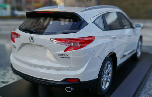 RARE 1/18 Dealer Edition 2018 Acura RDX (White) Resin Car Model (Broken Acrylic Cover)