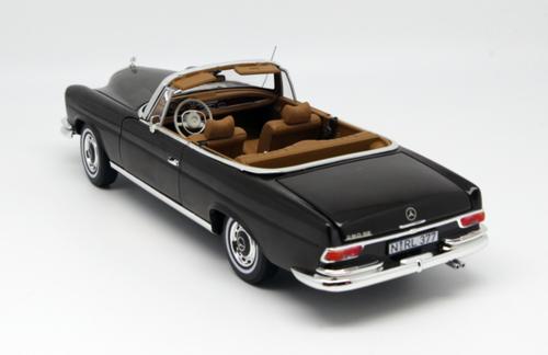 1/18 Norev 1969 Mercedes-Benz MB 280 SE 280SE (Black) Diecast Car Model