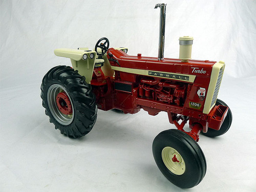 1/16 ERTL Farmall 1206 Turbo Tractor Diecast Car Model