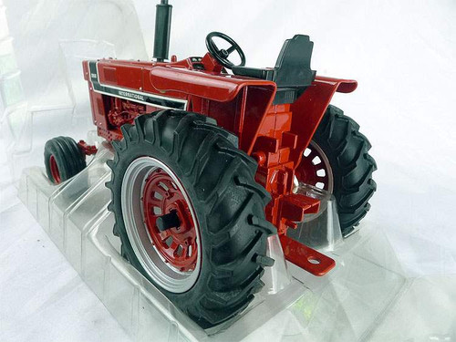 1/16 ERTL International Harvester 966 Tractor Diecast Model