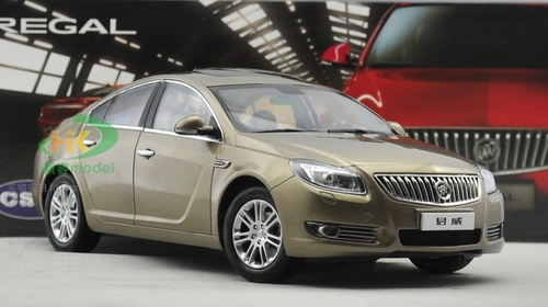 1/18 Dealer Edition 2010 Buick Regal (Champagne / Brown) Diecast Car Model