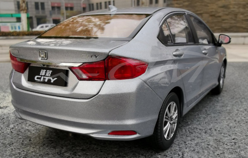 1/18 Dealer Edition 2018 Honda City (Silver) Diecast Car Model