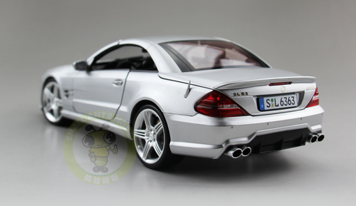 Defect 1/18 RMZ MERCEDES-BENZ SL63 AMG Convertible (Silver) Diecast Car Model