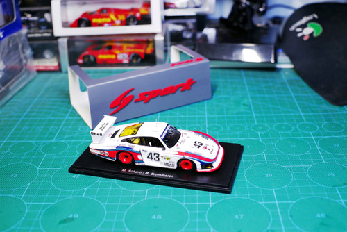 1/43 Spark Porsche 935/78 Moby Dick 8th Le Mans 1978 M. Schurtl - R. Stommelen Car Model