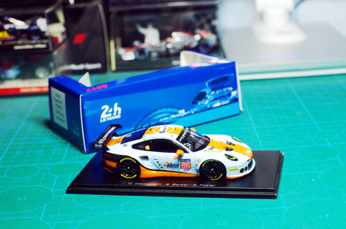 1/43 Spark Porsche 911 RSR (991) Gulf Racing Le Mans 2017 Car Model