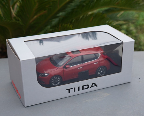 1/18 Dealer Edition Nissan Tiida (Red) Diecast Car Model