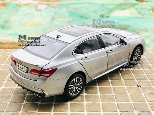 1/18 Dealer Edition 2018 Acura TLX (Silver) Diecast Car Model