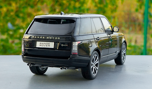 1/18 LCD MODELS 2018 Land Rover Range Rover (Black) Diecast Car Model