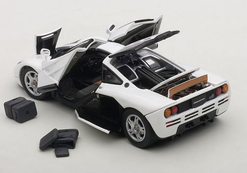 1/43 AUTOart McLAREN F1 (PURE WHITE) Diecast Car Model