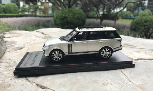1/43 Dealer Edition Land Rover Range Rover (Light Champagne) Diecast Car Model