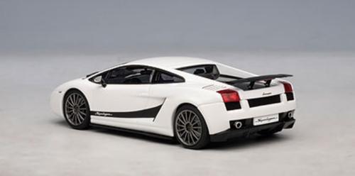 1/43 AUTOart LAMBORGHINI GALLARDO SUPERLEGGERA - MONOCERUS / METALLIC WHITE Diecast Car Model