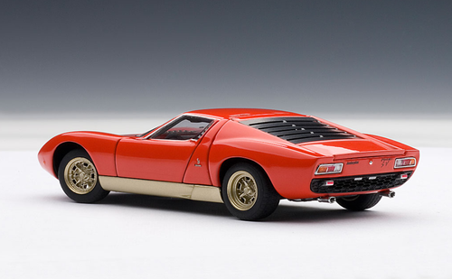 1/43 AUTOart LAMBORGHINI MIURA SV - RED WITH OPENINGS Diecast Car Model