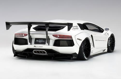 1/18 AUTOart LIBERTY WALK LB-WORKS LAMBORGHINI AVENTADOR (WHITE) Diecast Car Model