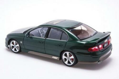 RARE 1/18 AUTOart HSV VX GTS SEDAN (Green) Diecast Car Model