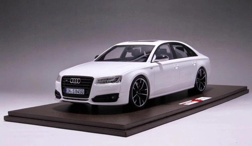 1/18 MOTORHELIX 2017 Audi S8 Plus (White) Enclosed Resin Model Limited 199