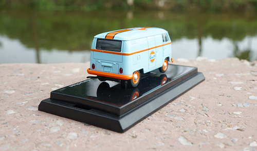 1/64 Dealer Edition Volkswagen VW T1 Bus Gulf Diecast Car Model