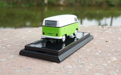 1/64 Dealer Edition Volkswagen VW T1 Bus (Green) Diecast Car Model