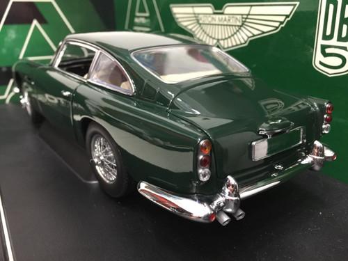 1/18 AUTOart Aston Martin DB5 (Green) Diecast Car Model 70212