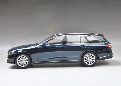 1/18 Dealer Edition Mercedes-Benz MB S213 W213 E-Class E-Klasse Wagon (Blue) Diecast Car Model