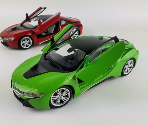 1/18 Dealer Edition BMW i8 (Green) Diecast Car Model