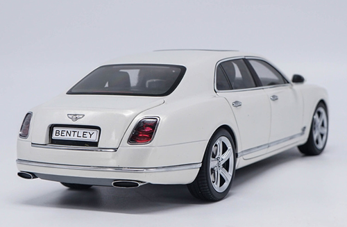 1/18 Kyosho Bentley Mulsanne (White) Diecast Car Model