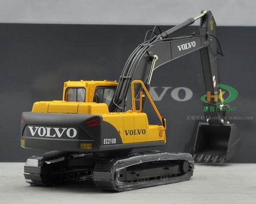 1/35 Volvo EC210B PRIME