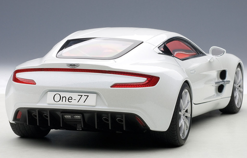1/18 AUTOart ASTON MARTIN ONE-77 ONE77 (MORNING FROST WHITE) Diecast Car Model