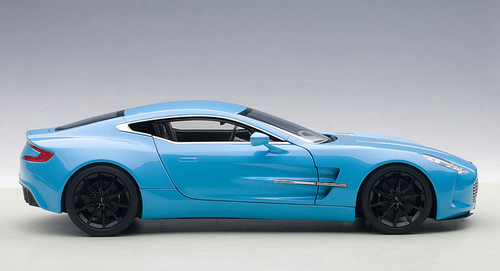 1/18 AUTOart ASTON MARTIN ONE-77 ONE77 (TIFFANY BLUE) Diecast Car Model