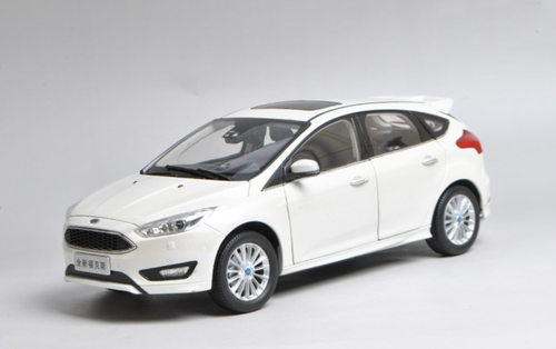 1/18 Dealer Edition 2015 Ford Focus (White) Diecast Car Model